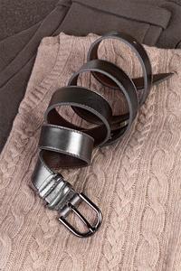 Кожаный женский пояс темно-серебряный 3см