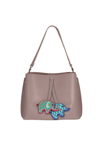 Кожаная женская сумка м.59 пудра с комплектом подвесок