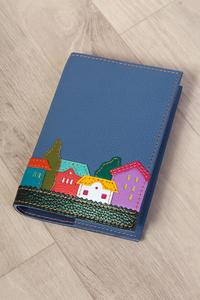 Кожаная обложка на блокнот «Веселые домики» голубая