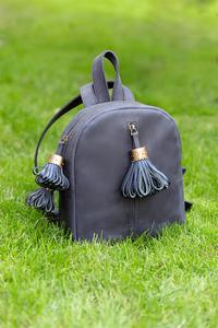 Рюкзак кожаный м.62 темно-синий с кисточками